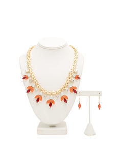 Multifaceted Faux Jewels Necklace Set