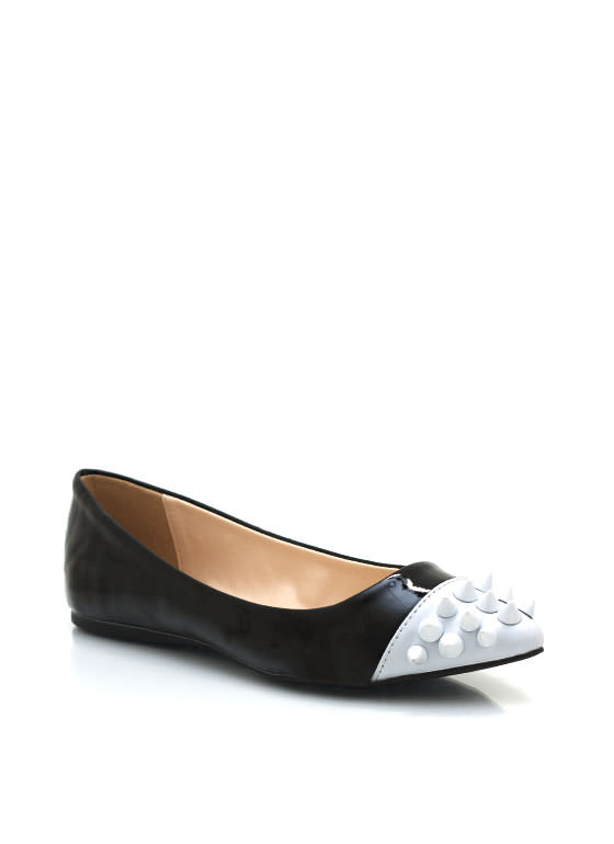 Spiked Cap Toe Flats BLACK