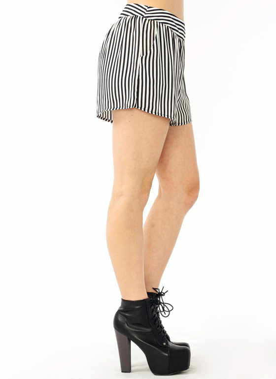 Striped Pocket Shorts IVORYBLACK