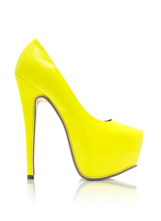 On The Edge Platform Pumps YELLOW