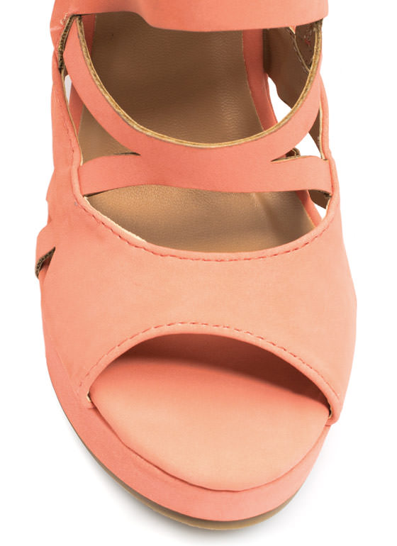 Tri To The Max Cut-Out Wedges CORAL