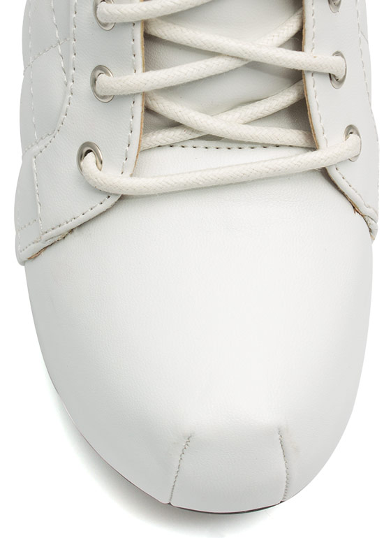 Quilted Lace-Up Booties WHITE