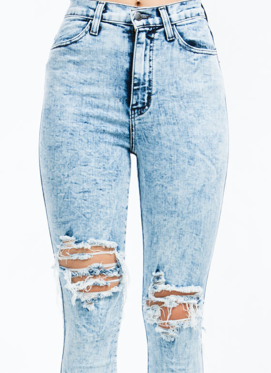Knee Bend Destroyed Jeans LTBLUE
