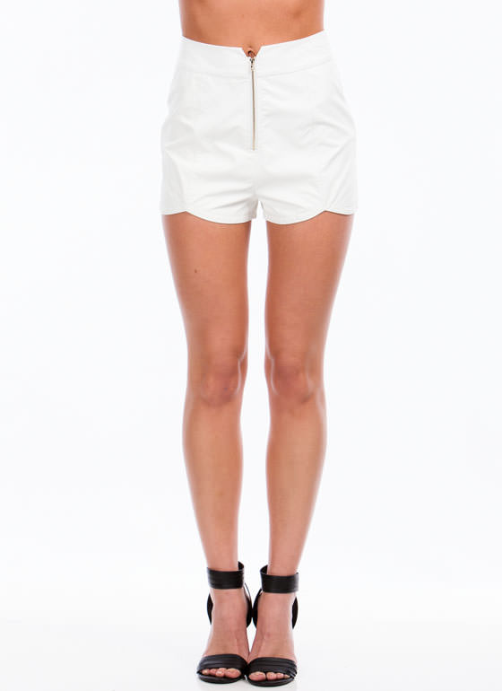 Lady In Leather Shorts WHITE