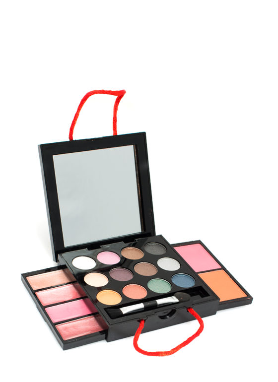 Beauty Treats Swag Bag Makeup Compact MULTI