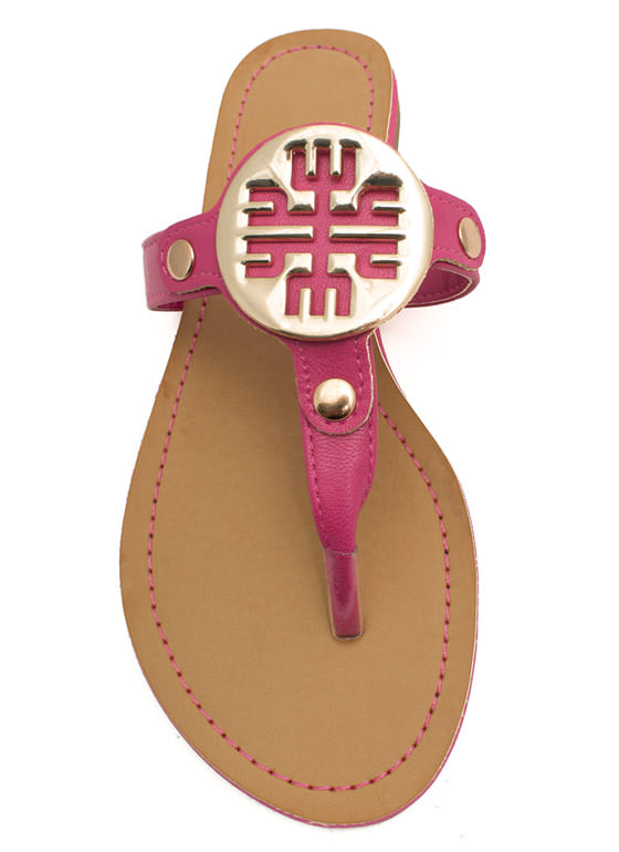 Cut-Out Medallion Thong Sandals FUCHSIA