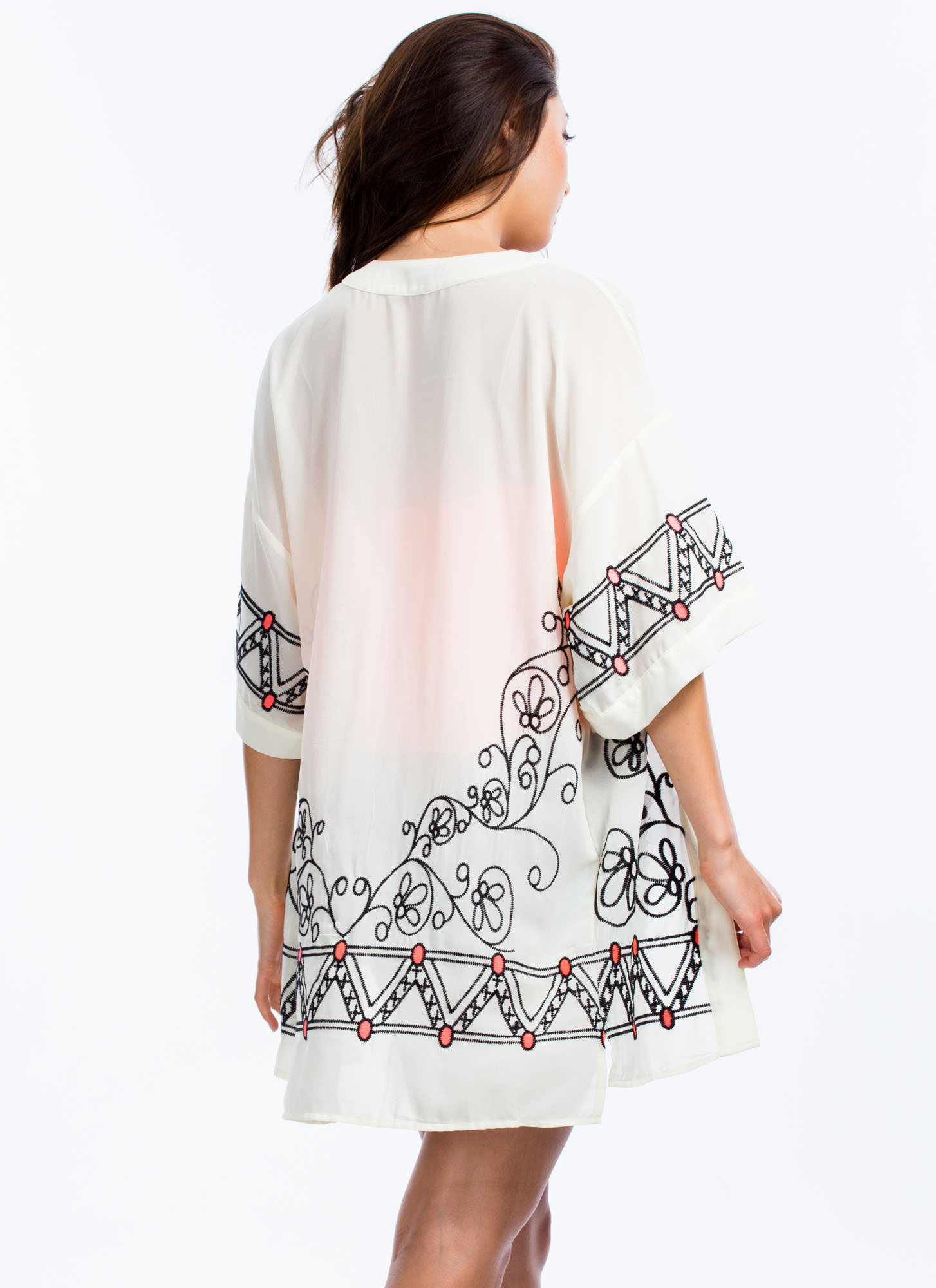 Post Festivities Embroidered Kimono CREAM